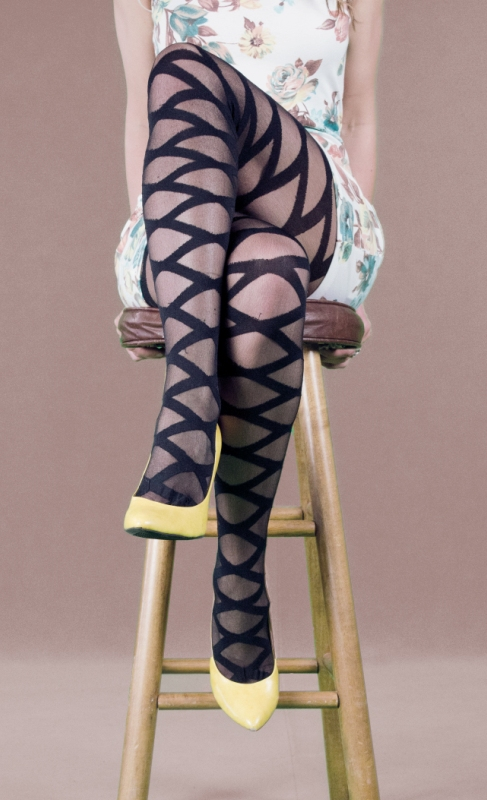 LA7272 Leg Avenue Criss Cross Pantyhose