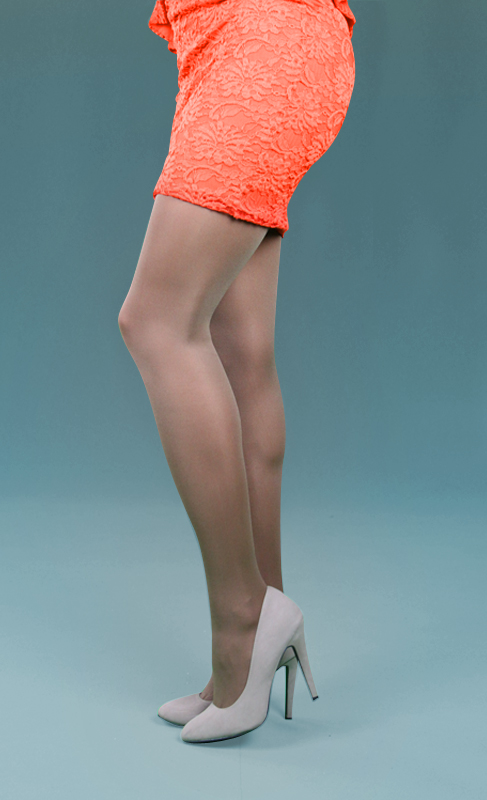 Peavey Suntan Tights Give You a Glow Year Round. Create a flawless look with a pair of silky suntan premium Peavey pantyhose. If you want to be the bombshell who lights up the room, these are the perfect pantyhose for you! Get that natural sexy look everyone woman wants with premium Peavey pantyhose.