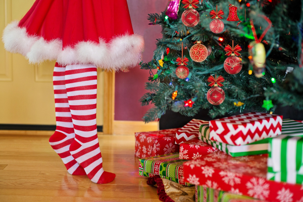 Red & white-striped socks for Christmas fashion